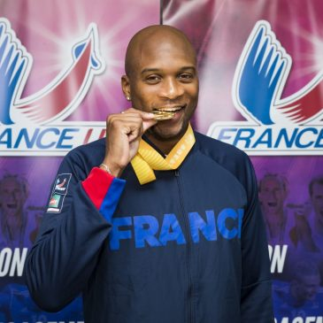 Jeffrey John croque l'or du 200m!