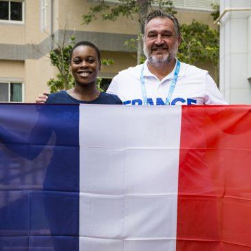 Laurence Epée, porte-drapeau de la délégation française!
